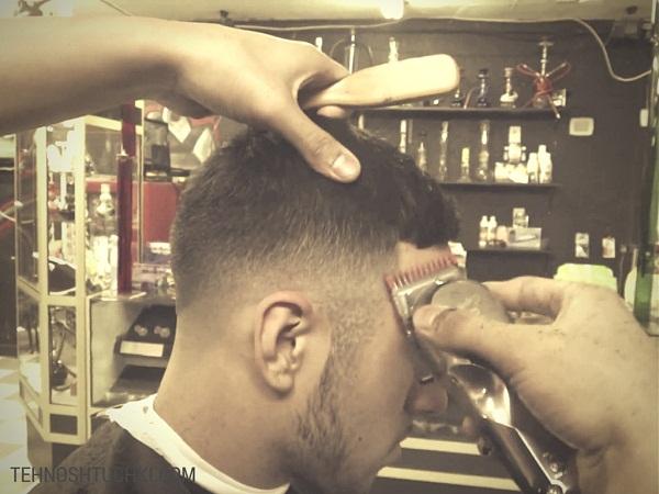 стрижка волос