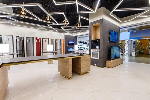 первый магазин в России